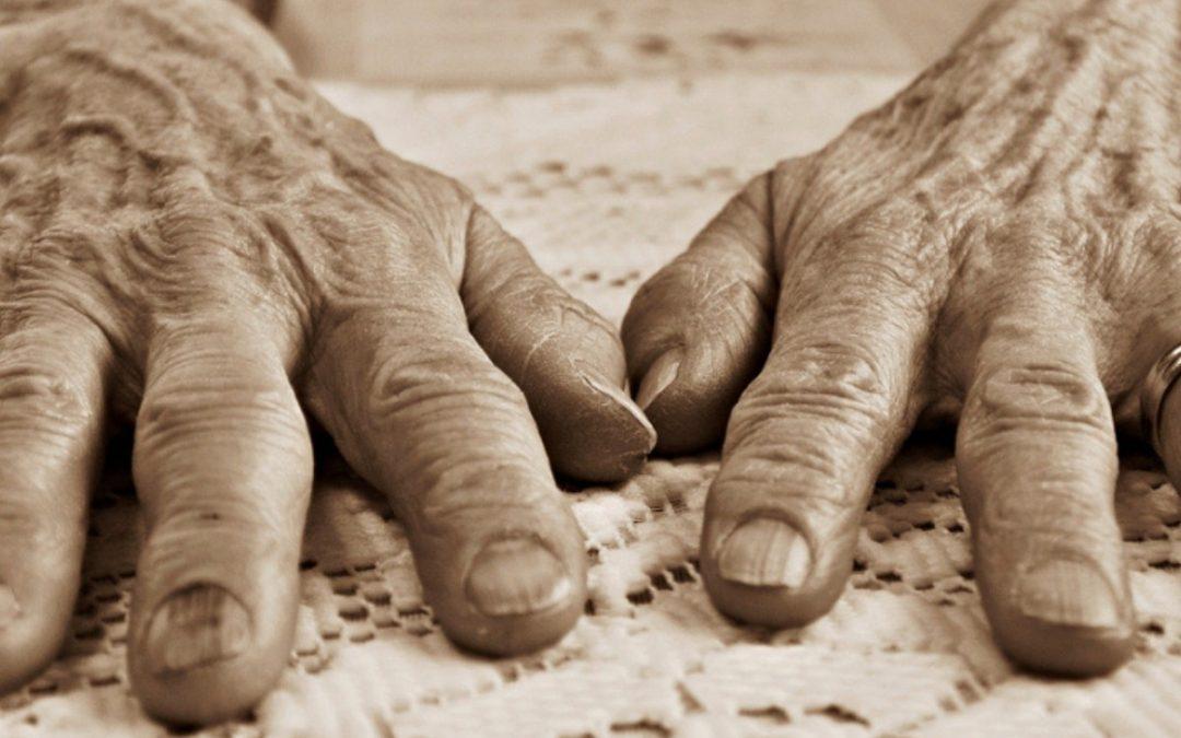 Conversa sobre envelhecimento, terminalidade e cuidado a familiares